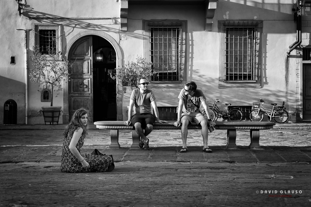 Ragazzi fotografati in Piazza Santa Croce Firenze da David Glauso