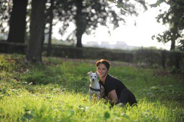 Il dog-sitting è arrivato a Firenze grazie ad un'iniziativa di Elisa Bacherini e altri volontari che hanno creato Dog Sitting Onlus, servizi per gli animali
