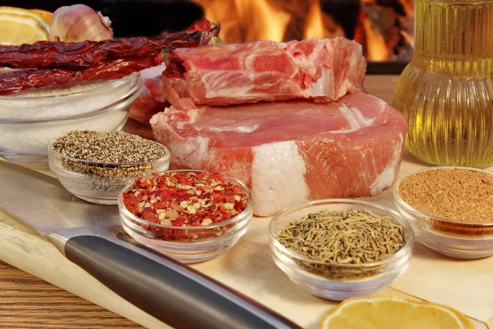 La bistecca alla fiorentina è uno dei protagonisti indiscussi della cucina tipica fiorentina. Consigli e segreti su come cucinare la bistecca perfetta