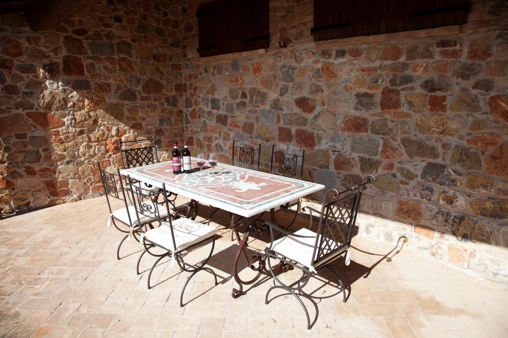 Il Poggio di Sotto Brunello di Montalcino Riserva 2007 è un capolavoro di vino toscano che si abbina con la bistecca alla fiorentina