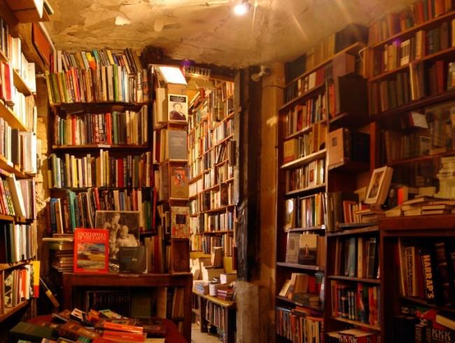 Guida a 6 librerie in Toscana tra Firenze, Grosseto, Pisa, Arezzo e Pietrasanta