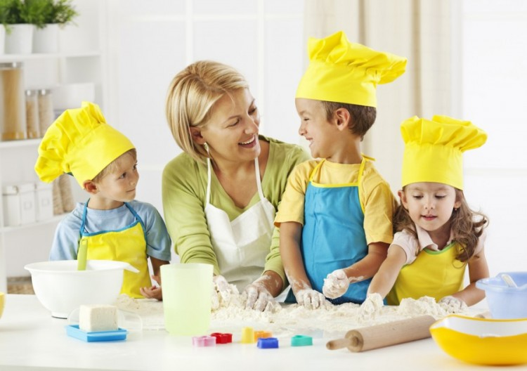 Corsi di cucina per bambini in toscana arrivano i piccoli - Bambine che cucinano ...