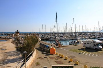 Il porto Marina di Salivoli di Piombino è uno dei porti turistici meglio attrezzati della costa toscana, perfetto per visitare l'arcipelago toscano