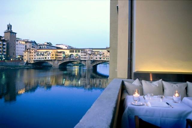 Tra i 5 ristoranti romantici a Firenze si trova il Ristorante Borgo San Jacopo