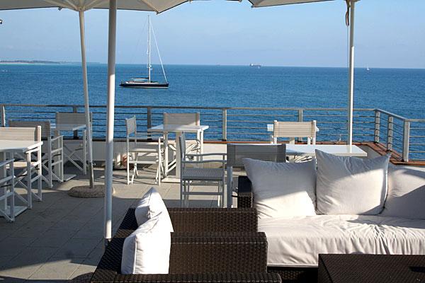 """I 6 migliori luoghi dove fare apertivo in Toscana al mare e dove trovare il nuovo cocktail """"La Grande Bellezza"""""""