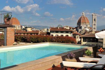 I 4 migliori hotel dove gustare un ottimo aperitivo in piscina a Firenze