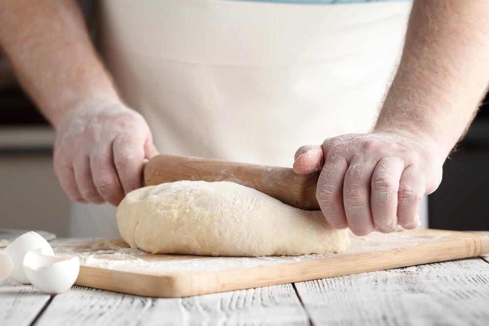 Chef prepara tortelli di patate in un ristorante in Mugello