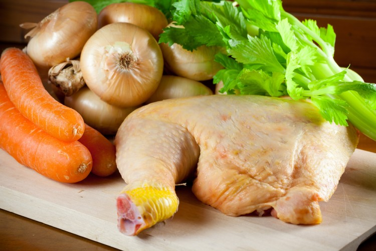 Il Pollo in umido alla Fiorentina è una tipica ricetta della cucina povera toscana