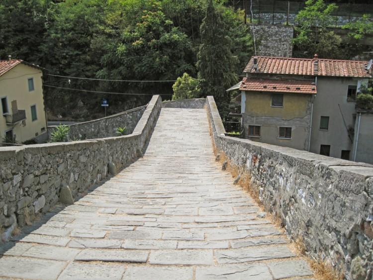 i segreti del ponte del diavolo borgo a mozzano