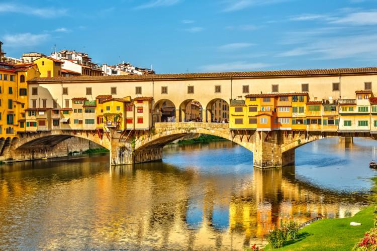 Tra i 7 simboli della Toscana, a Firenze troviamo Ponte Vecchio