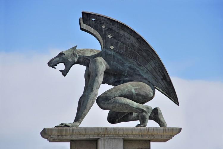 Il Ponte del Diavolo si trova a Borgo a Mozzano (LU). Vi raccontiamo qui tutti i segreti e le leggende che da secoli si raccontano su questo famoso ponte.