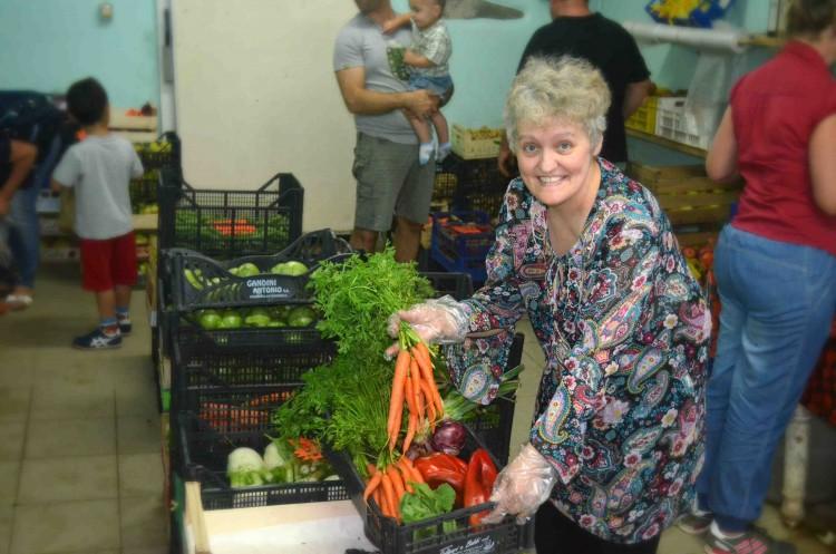 Carla Marchetti è una chef a domicilio. Tiene corsi di cucina toscana, ma dieta vegetariana, vegana e per celiaci sono la sua specialità