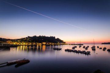 L'Isola d'Elba non è solo spiaggia e mare: vi raccontiamo alcune curiosità su questa terra meravigliosa che non tutti conoscono.