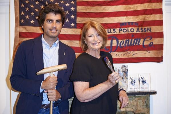 Pitti Uomo 2014: Us Polo Assn e la pittrice Elisabetta Rogai,insieme per un live painting dove la tela dell'artista era il denim dell'azienda