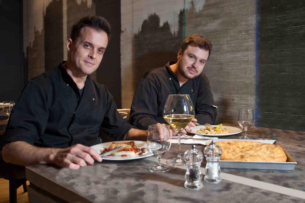 Lo staff del Ristorante Filippo: da destra lo chef Fabio Mazzei ed il suo aiuto Andrea Gemignani