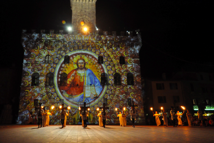 Corteo dei Ceri a Montepulciano in occasione del Bravio delle Botti