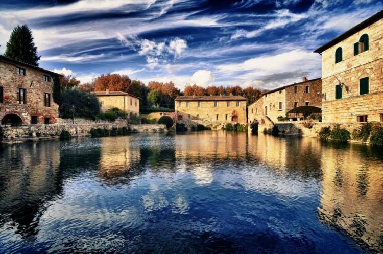 Bagno vignoni una storia lunga 2000 anni tuscanypeople - Il loggiato bagno vignoni ...