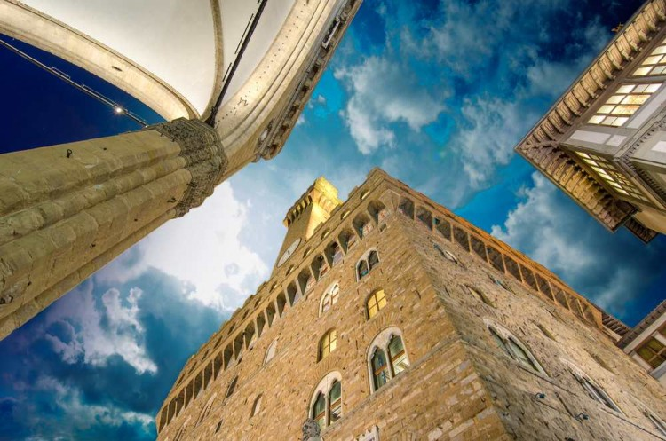 Firenze capitale del turismo italiano: arte, storia, enogastronomia, cultura, mille sono le ragioni per visitarla.Qui ve ne sveliamo qualcuna