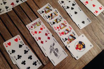Il burraco è un gioco di carte molto praticato in Toscana