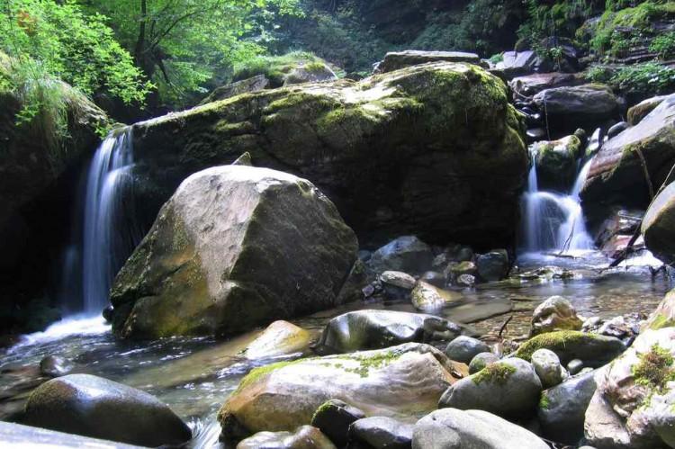 Orrido di Botri si trova a Bagni di Lucca, in Toscana ideale per il trekking