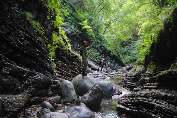 L' Orrido di Botri si trova a Bagni di Lucca, in Toscana ideale per il trekking