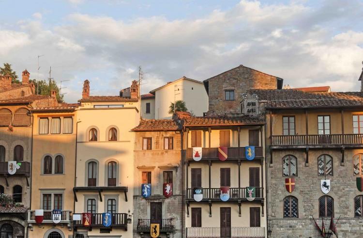 19-21/09 Streetfood Village di Arezzo: la città toscana sarà invasa dai banchi del cibo di strada,un evento che unisce cucina, arte e cultura