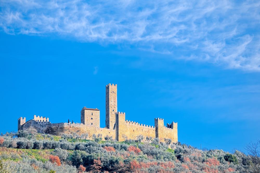 Castello di Montecchio Vesponi a Castiglion fiorentino in Val di Chio