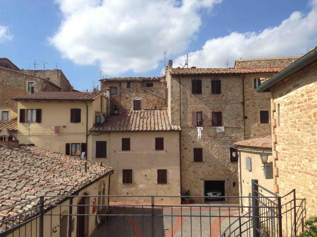 Casole d'Elsa è un borgo medievale ,al confine tra Firenze e Siena, ricco di arte ed eventi suggestivi