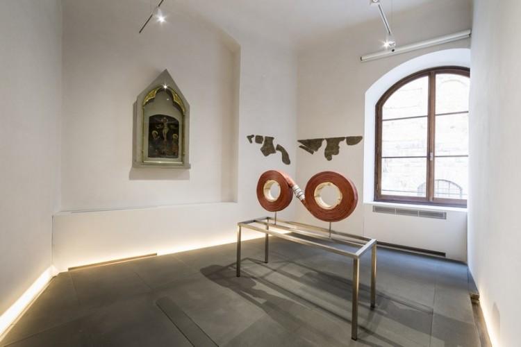 Grosse Fatigue di Camille Henrot è esposta al Museo Gucci di Firenze fino al 28/2/2015