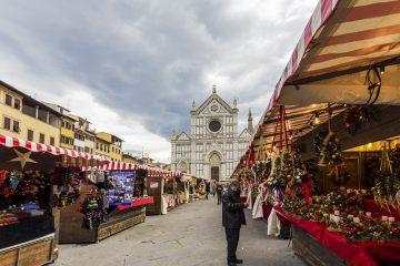 Mercati tipici a Firenze per Natale: mercato in Santa Croce