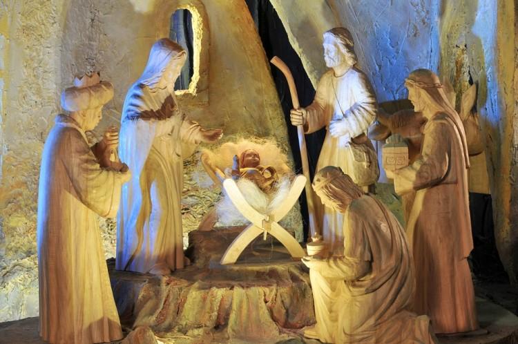 Natale la Toscana, tour tra alcuni dei più suggestivi Presepi in Toscana: dal Presepe Vivente di Londa fino a quello nell'Antro del Corchia