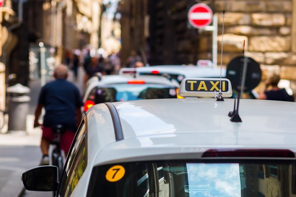 Taxi a Firenze nel centro storico dentro la ZTL