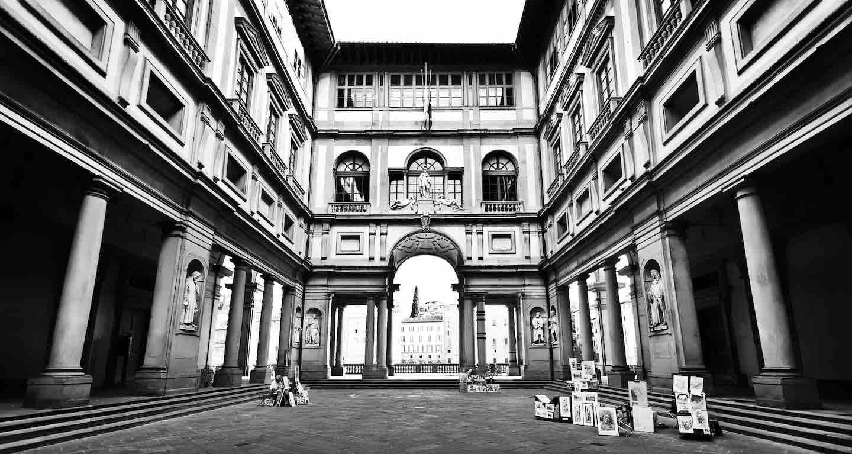 Sunny Tuscany Tours è una piccola agenzia turistica che organizza vacanze in Toscana e weekend romantico a Firenze