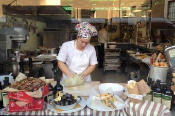 La Pescheria San Pietro è un nuovo ristorante di pesce e pasta fresca a Firenze in via Alamanni, davanti alla Stazione. Bellissimo locale e ottima cucina