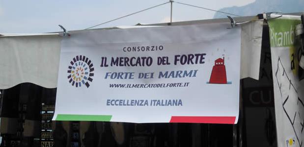 Hotel Goya di Forte dei Marmi è un 4 Stelle Superior, in stile liberty originale, nel cuore della Versilia, della famiglia Agostini dal 1988