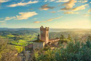 Il borgo di San Miniato e la valle sottostante in provincia di Pisa