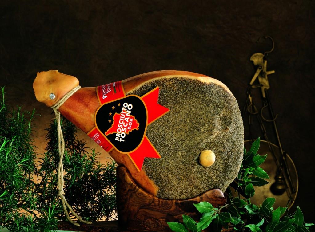 Insieme al Parma e al San Daniele si contende il primato del miglior affettato nazionale: è il prosciutto toscano Dop, da sempre un'eccellenza toscana