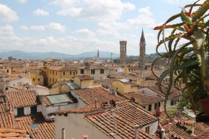 L'appetito vien camminando è un walking tour di Firenze organizzato dalla Agenzia Ciclone Viaggi,un tour di Firenze organizzato da fiorentini per fiorentini