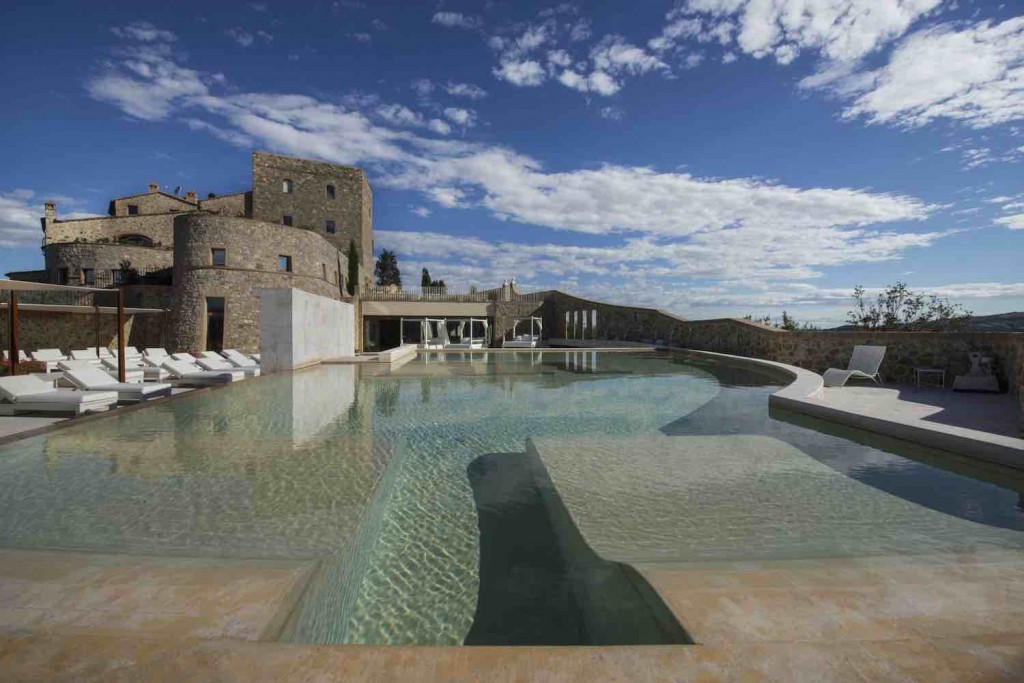 Castello di Velona - Pool View (2)