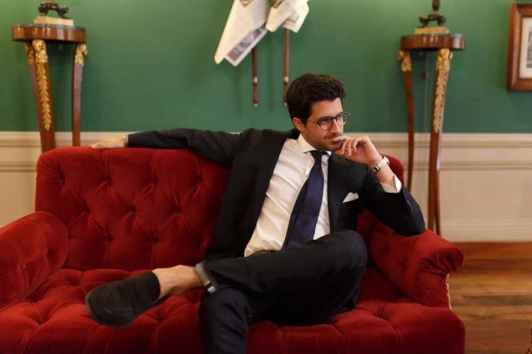 Intervista a Sandro Fratini proprietario dell'azienda di abbigliamento Rifle, di 9 hotel in Italia, di cui 7 a Firenze, ispirati alla collezione di orologi