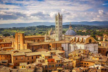 Il Duomo di Siena è uno dei capolavori dell'arte gotica toscana. Il suo spetaccolare pavimento sarà visibile, in occasione di Expo, dal 01/07 al 27/10/2015