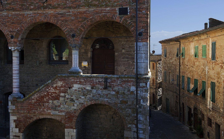 Suvereto in Toscana: borgo nel cuore della Val di Cornia