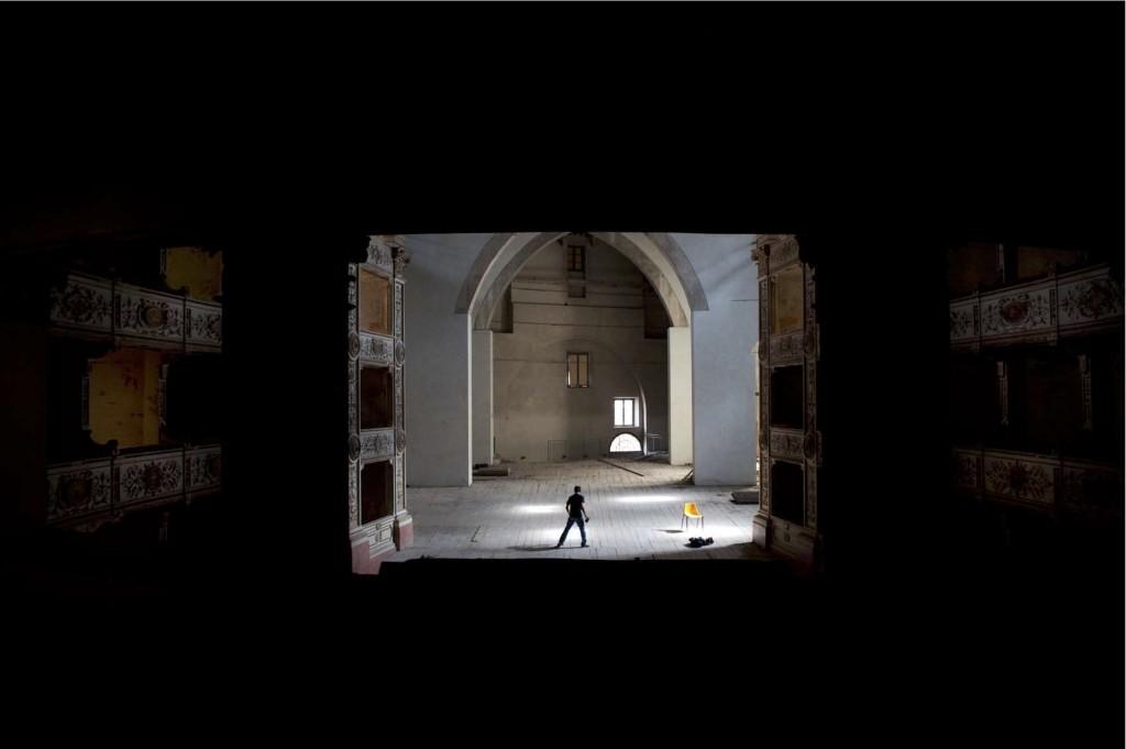 Segreti di Pisa: da Keith Haring alle dita del Diavolo, dalla Chiesa della Spina al Teatro Rossi, ecco svelati i misteri della città della Torre Pendente