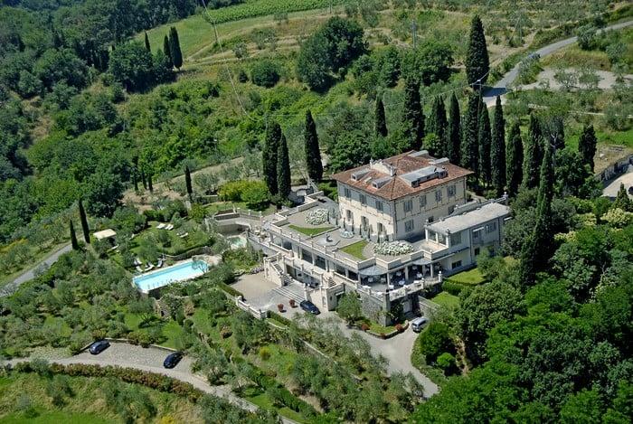 Resort in Chianti ce ne sono tanti e per tutti i gusti. TuscanyPeople ha selezionato i 6 Luxury Resort in Chianti a cui non si può davvero dire di no