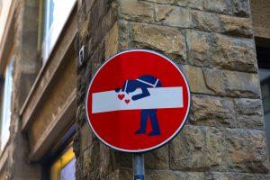 La Street Art a Firenze si trova ad ogni angolo di strada. Arte antica e arte contemporanea fanno di Firenze un museo a cielo aperto sempre in evoluzione