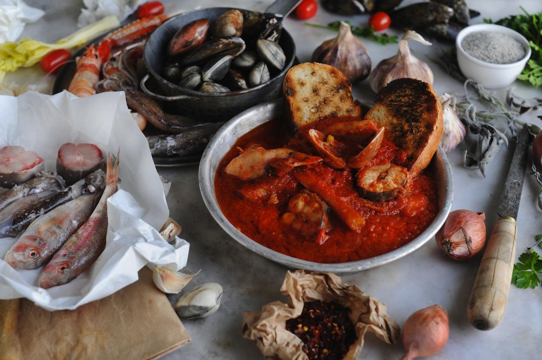 Tra i piatti tipici toscani della provincia di Livorno troviamo il Cacciucco