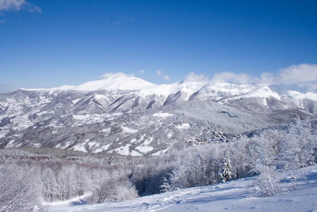 L'Abetone è la stazione sciistica più importante della Toscana, luogo ideale per una vacanza all'insegna di natura, sport, relax sia di inverno che d'estate