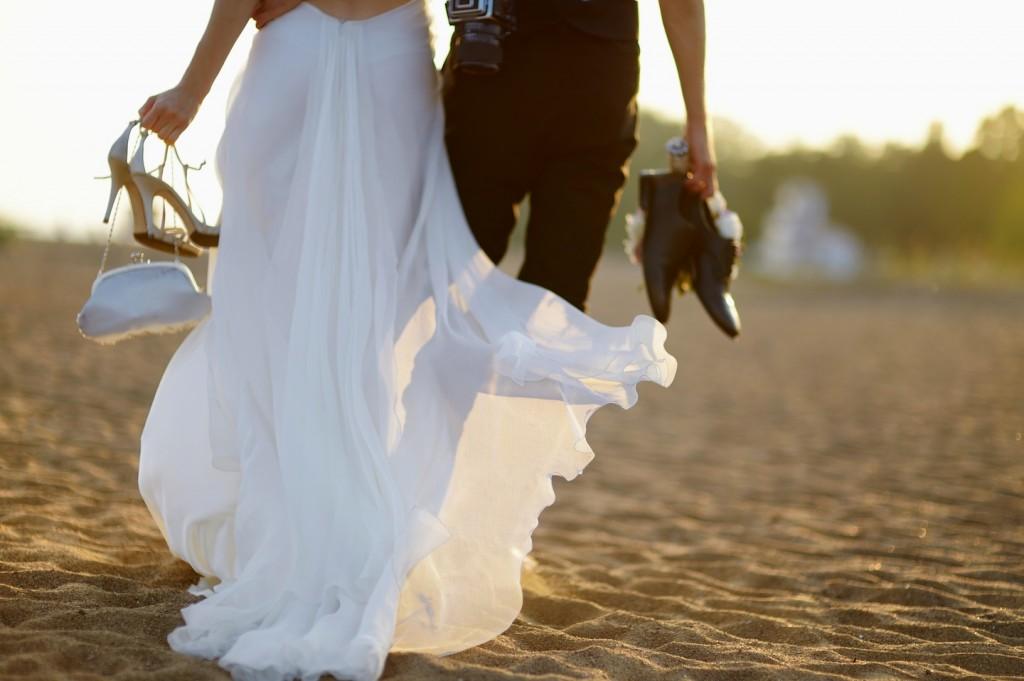 Foto Matrimonio Spiaggia : Matrimonio sulla spiaggia in maremma l amore tra cielo e mare