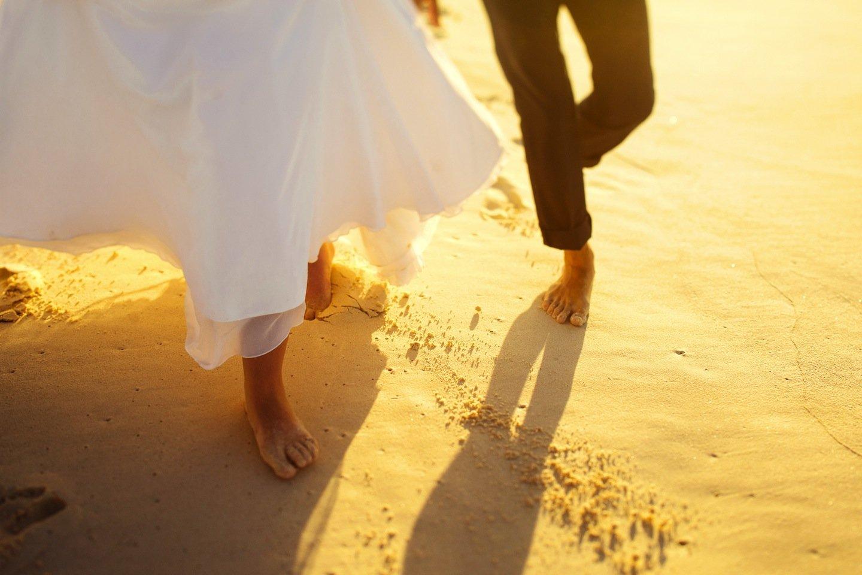 Matrimonio Spiaggia Uomo : Matrimonio sulla spiaggia in maremma l amore tra cielo e mare