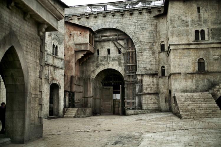 Tour per 4 castelli toscani dove Medioevo della Toscana prende vita: da Massa a Capalbio, da Fiesole a Bolgheri 4 luoghi dove vivere in una favola